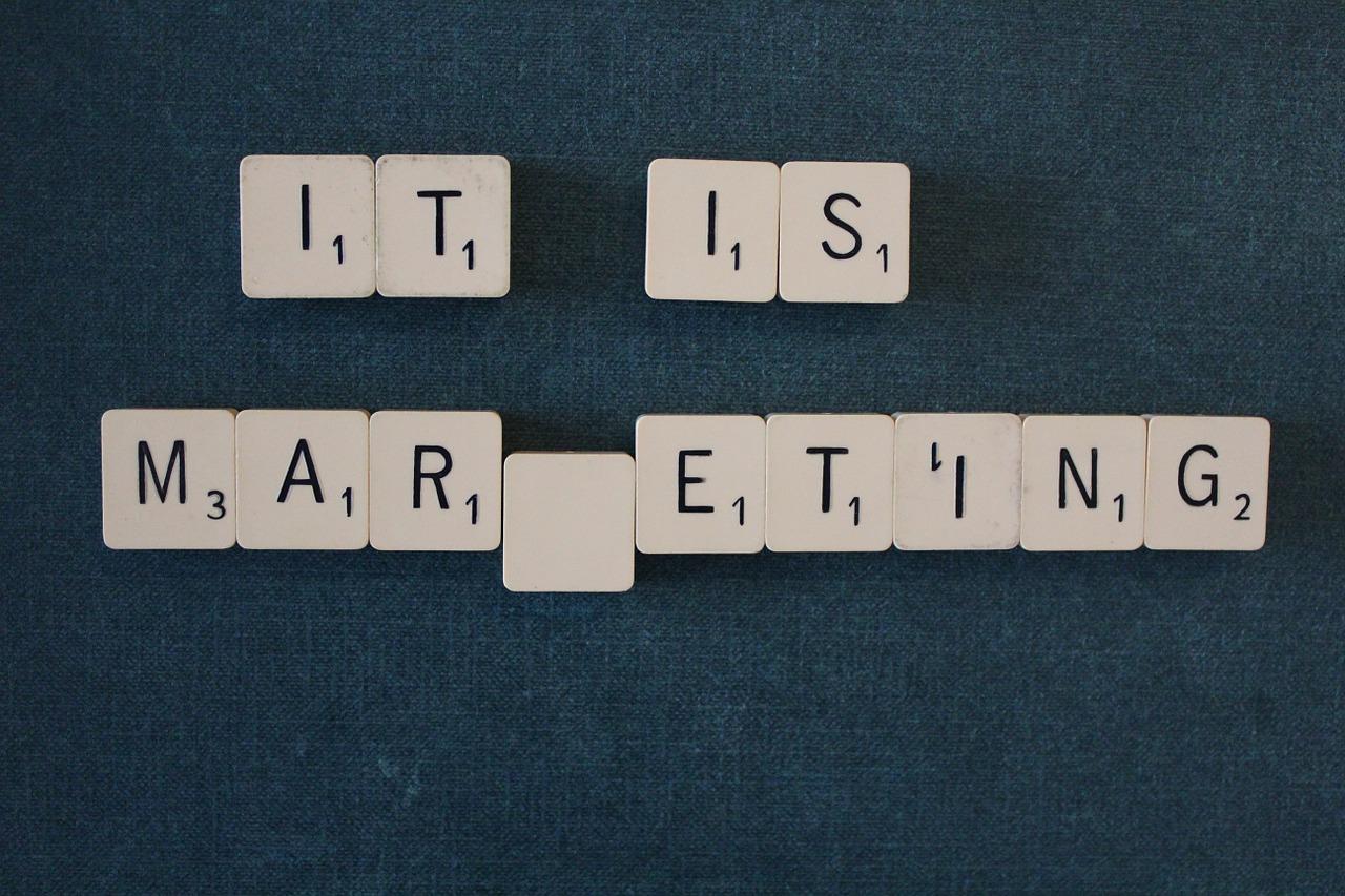 Perhatikan Perbedaan Orientasi Marketing Dan Selling